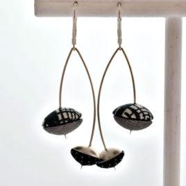 cerises noires et grises