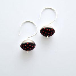 Boucles d'oreille clochette pois rouges